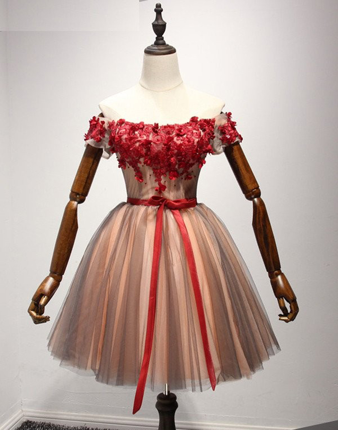 7a6ddbc2eda Unique A-Line Off-Shoulder Tulle Short Homecoming Dress with Bowknot ...