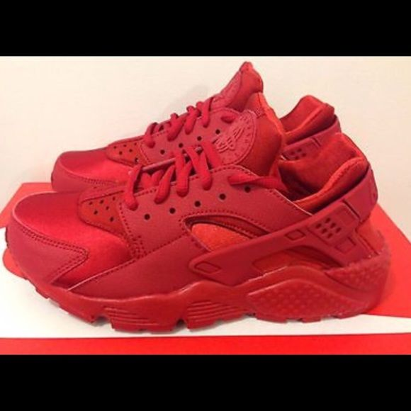 7d8a4177163 Nike Air Huarache Run Running Shoes on Storenvy