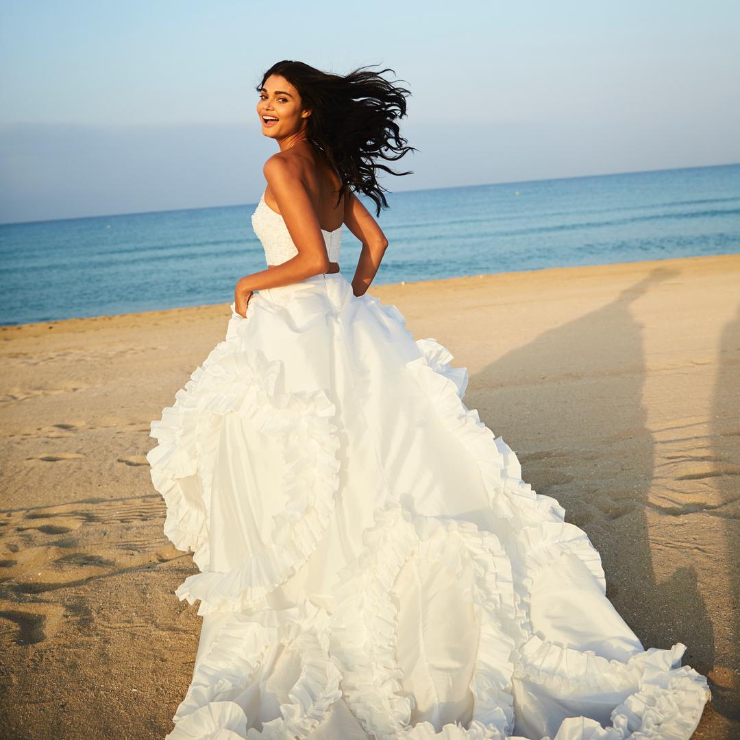 fa716162db ... New Arrival White Two Piece Summer Beach Wedding Dress Halter Sequins  Beaded Sweep Train Ruffles Bridal
