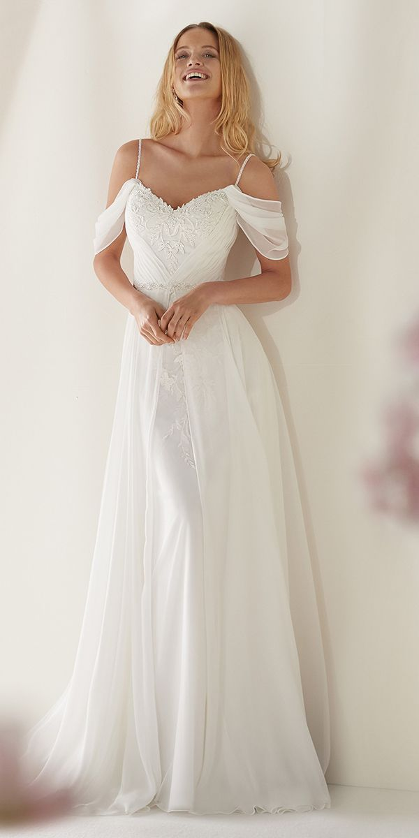 62d9c8fa0bc Awesome White Chiffon Lace Appliques Wedding Dress