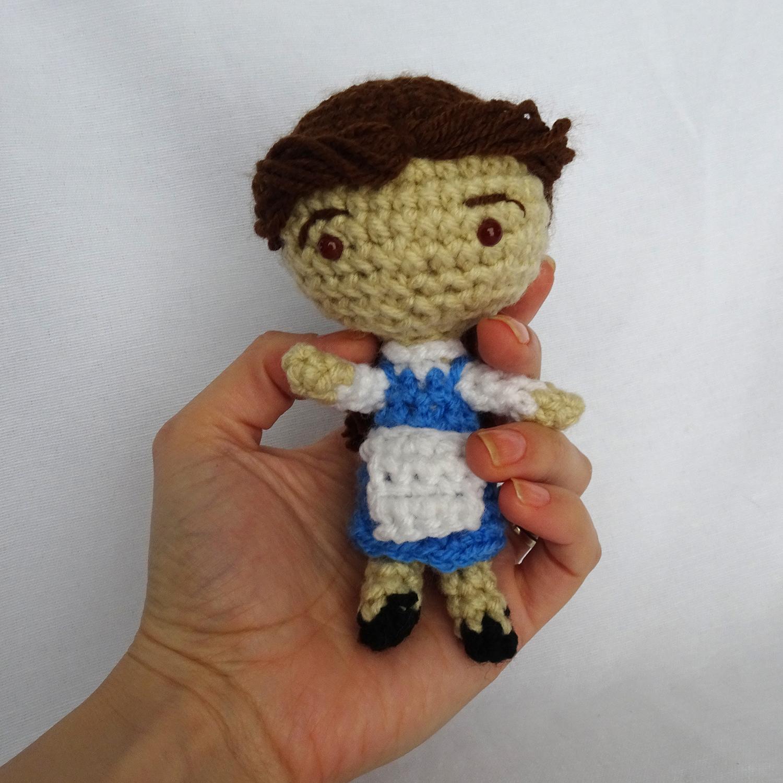 Free Crochet Doll Pattern- The Friendly Grace - thefriendlyredfox.com | 1500x1500