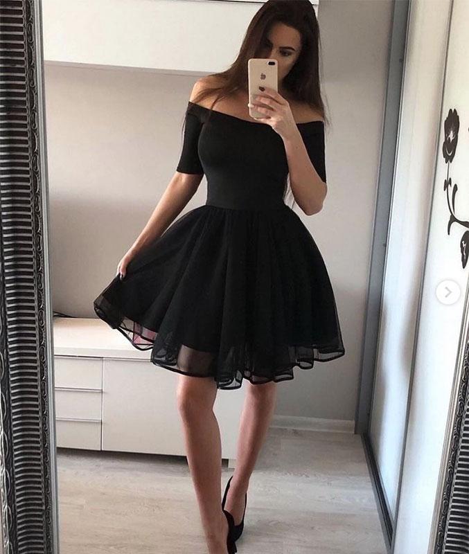 Black Tulle Short Prom Dresses