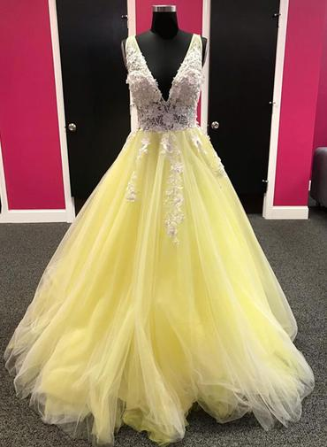 55eb385aca10 Yellow Tulle V Neck White 3D Lace Flower Long Lace Up Pageant Prom Dress